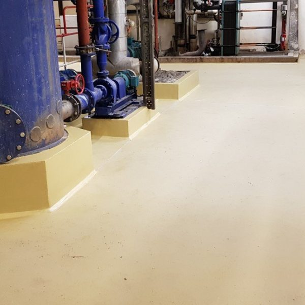 We proposed the application of a highly durable 9mm thick polyurethane screed from Sika